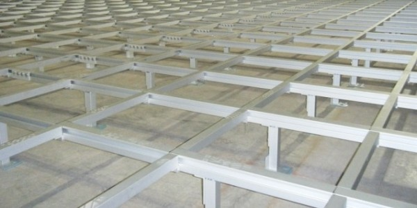 Alphastrut aluminium raised access flooring